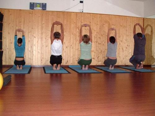 Yoga02 10 07  17 -563-800-600-100
