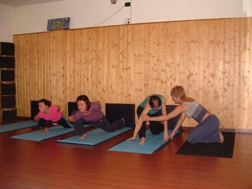 Yoga28 09 07  10 -571-800-600-100