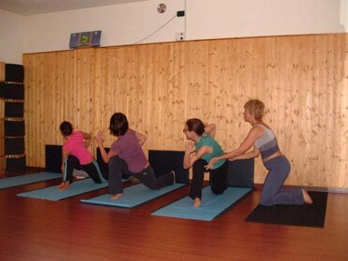 Yoga28 09 07  11 -572-800-600-100