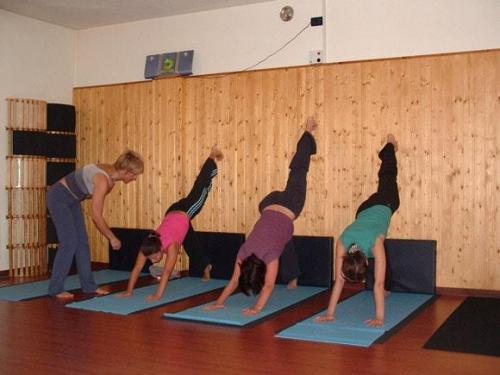 Yoga28 09 07  12 -573-800-600-100