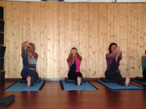 Yoga28 09 07  45 -577-800-600-100